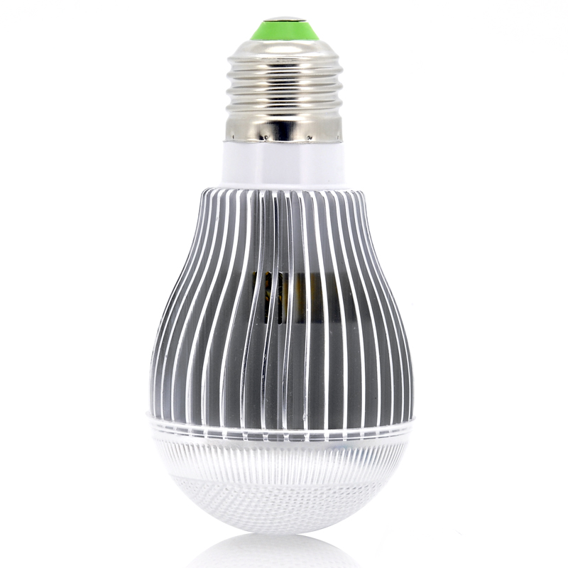 9w-rgb-led-light-bulb-650-lumens-remote-control